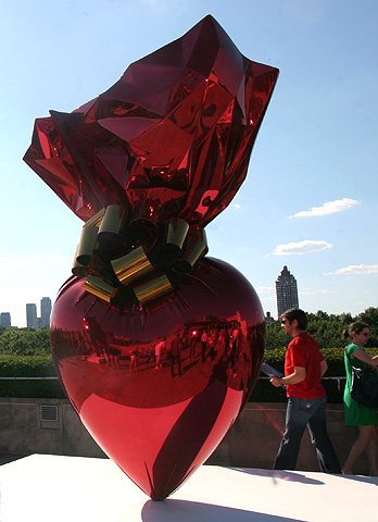 31jeffkoons_heart.jpg