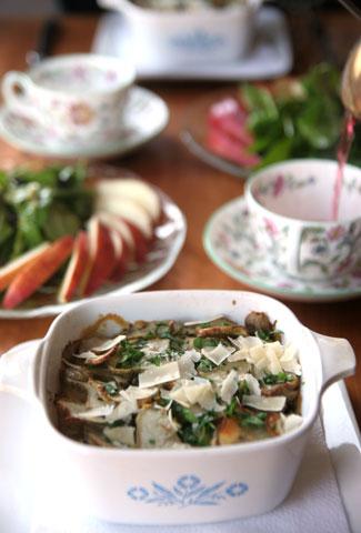 キクイモ豆乳サケ缶グラタン・テーブル