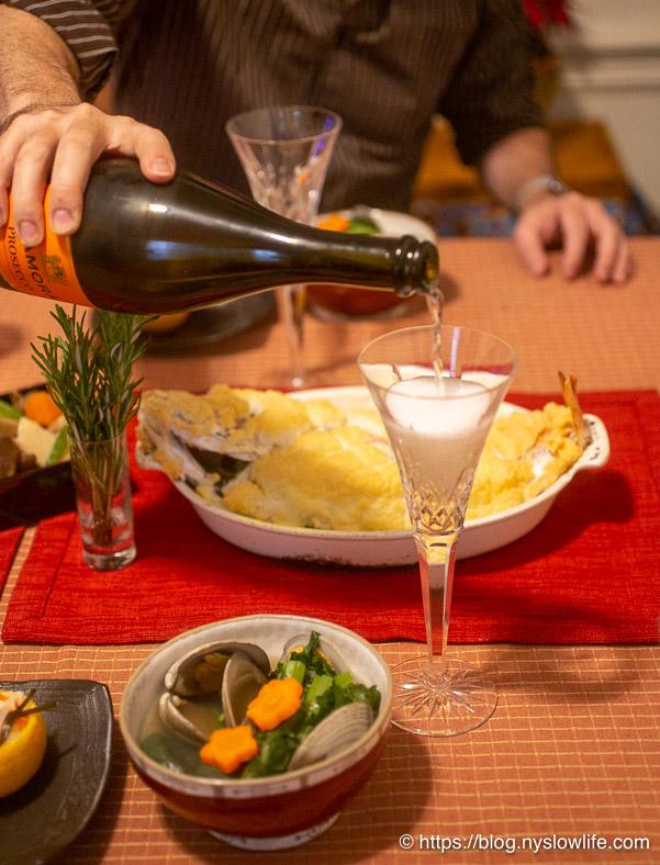 お正月料理:スパークリングワインで乾杯