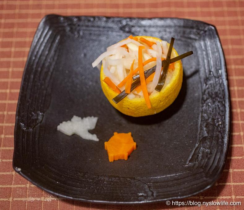 お正月料理:黄かぼすに紅白なます、鶴大根&亀ニンジン