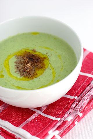 カリフラワーとグリーンピースのスープ