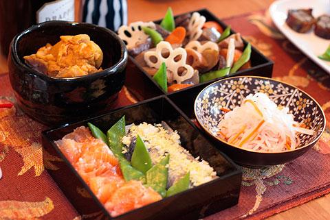 栗きんとん、お煮染め、生寿司とサーモン・グラブラックス、紅白なます