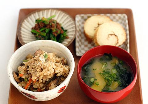 タヒーニ混ぜご飯定食