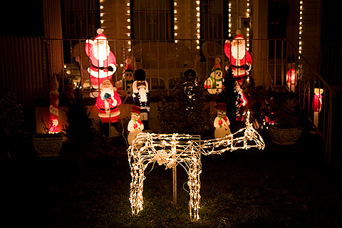 クリスマス・デコレーション散歩:サンタとスノーマンとクルミ割り人形