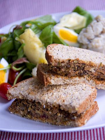 レンズ豆のコロッケ・サンドイッチ