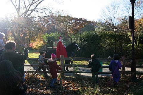 サンタクロースと馬