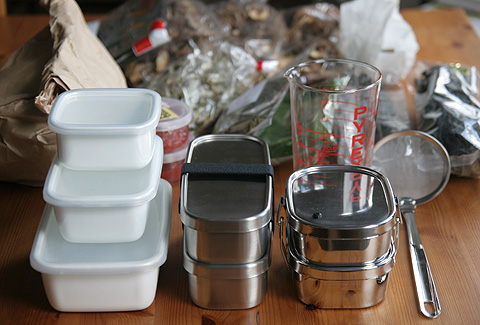 お弁当箱と乾物