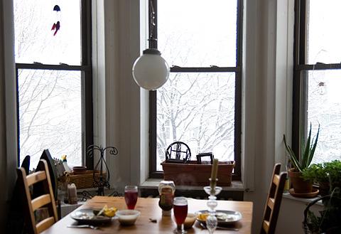 雪の日の朝食