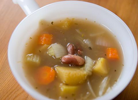野菜とお豆のスープ