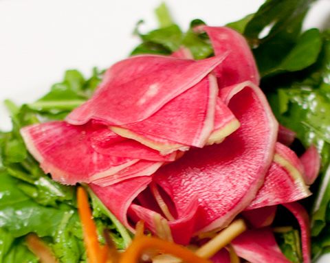 2watermelon radish ウォーターメロン・ラディッシュ・サラダ