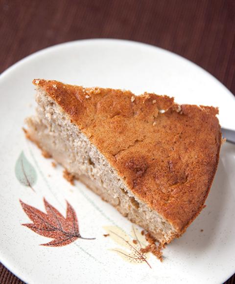 洋梨ジャム入りケーキ