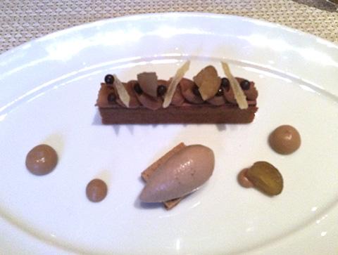 マロンチョコレートケーキのデザート - Le Bernardin ニューヨーク4つ星フレンチレストラン