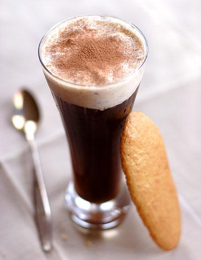 コーヒーフロートとレディフィンガー