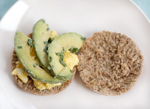 アボカド&卵サンドイッチ