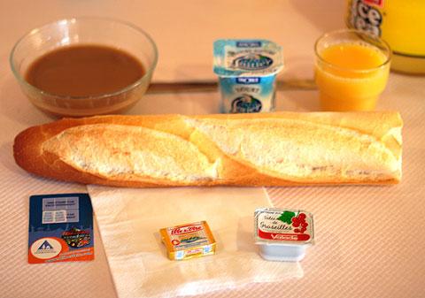 フランスのユースホステルの朝食