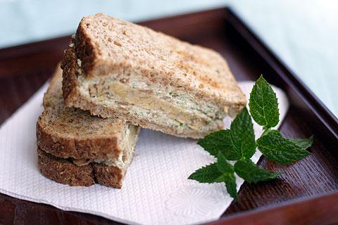 テンペー&豆腐クリームチーズ・サンドイッチ