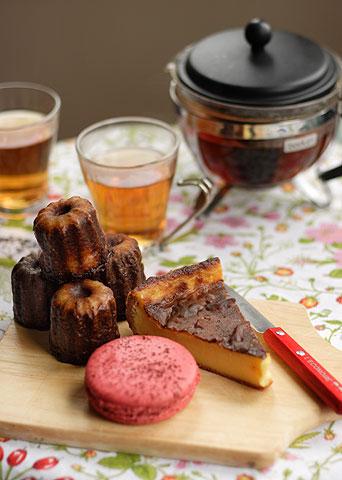 ブーレー・ベーカリー&マーケットのカヌレとフォーションの紅茶でアフタヌーン・ティー