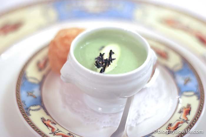 ポール・ボキューズ・フルコース:アスパラガスのスープ